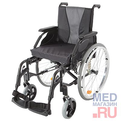 Инвалидная кресло-коляска Invacare Action 3  с пневматическими задними колесами